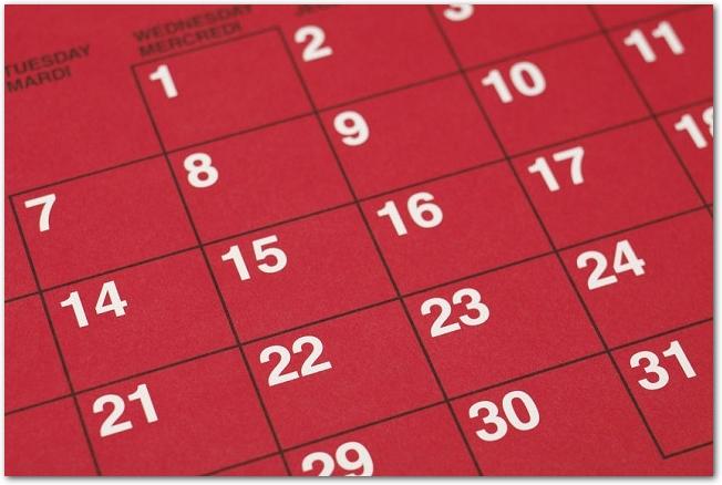 赤いマンスリーカレンダー